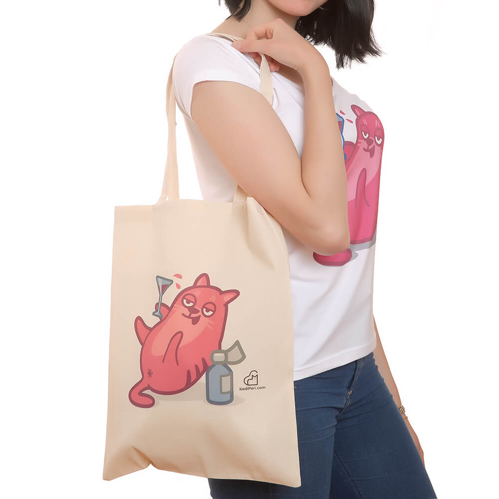 Keyifçi Kedili T-Shirt