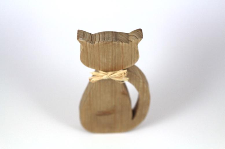 Papyonlu Kedi Ahşap Biblo (Koyu)